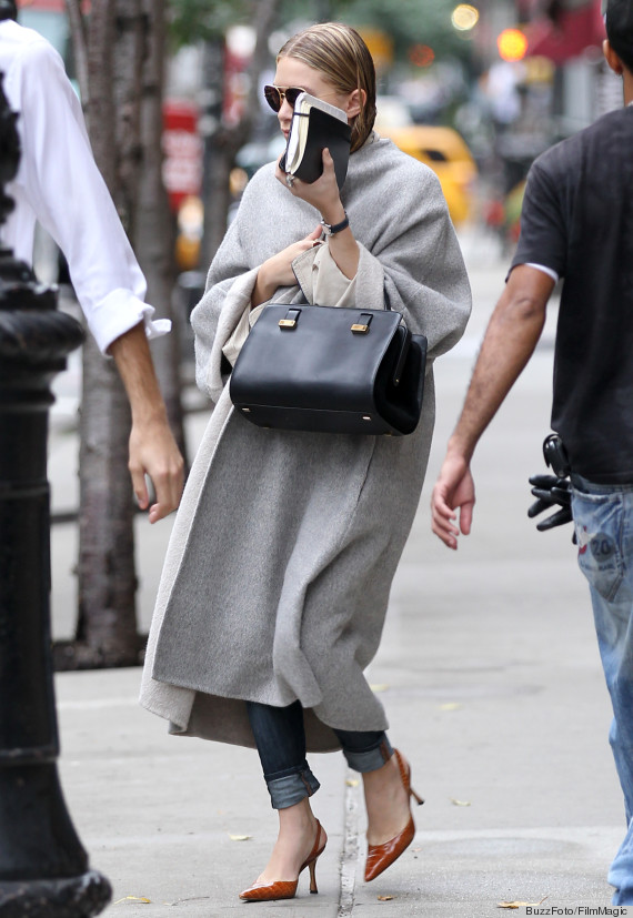 NEW YORK CITY, NY - OCTOBER 13:  Ashley Olsen leaves her apartment on October 13, 2011 in New York City, New York.  (Photo by Christopher Peterson/BuzzFoto/FilmMagic)