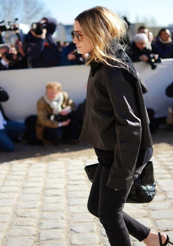 Olsens-Anonymous-Blog-Ashley-Olsen-All-Black-Look-Paris-Fashion-Week-Leather-Jacket-Via-The-Paper-Pulp