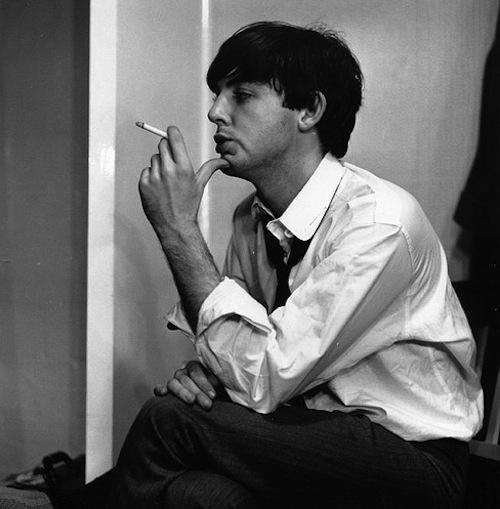 celebrity-smoking-photos
