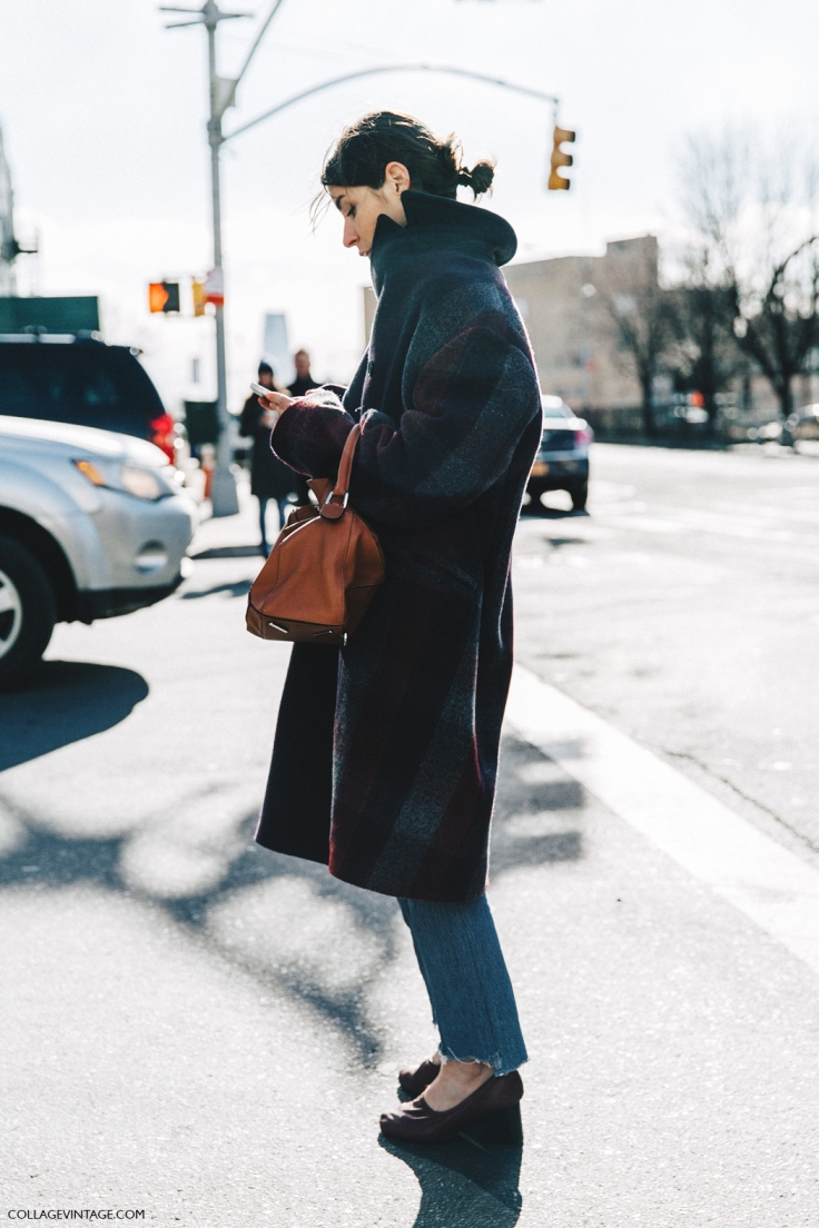 NYFW-New_York_Fashion_Week-Fall_Winter-17-Street_Style-Tartan_Coat-Loewe_Puzzle_Bag-Celine_Shoes-1.jpg