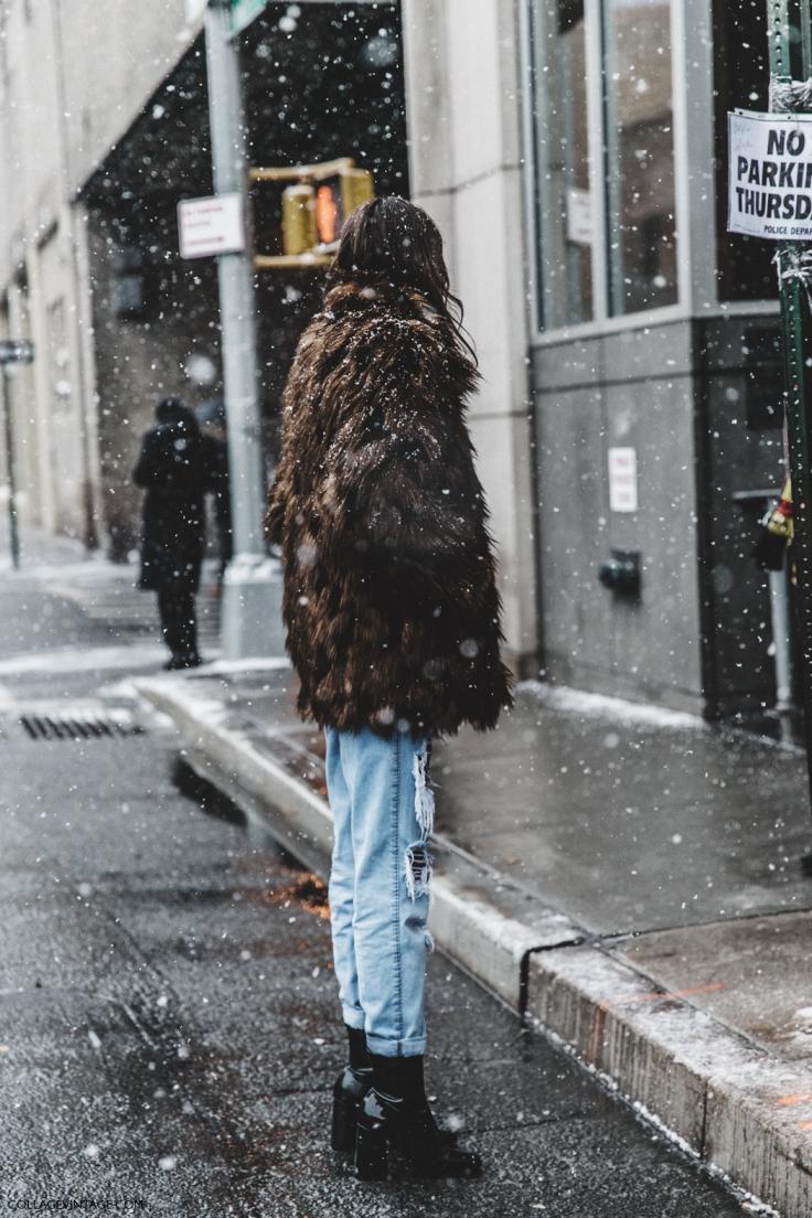 NYFW-New_York_Fashion_Week-Fall_Winter-17-Street_Style-Ripped_Jeans-Fur_Coat-.jpg