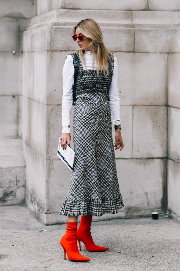 PFW-SS18-Paris_Fashion_Week-Street_Style-Vogue-Collage_Vintage-11-1-1800x2700.jpg