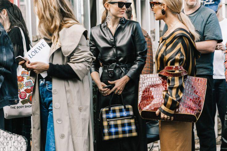 PFW-SS18-Paris_Fashion_Week-Street_Style-Vogue-Collage_Vintage-34-1800x1200.jpg
