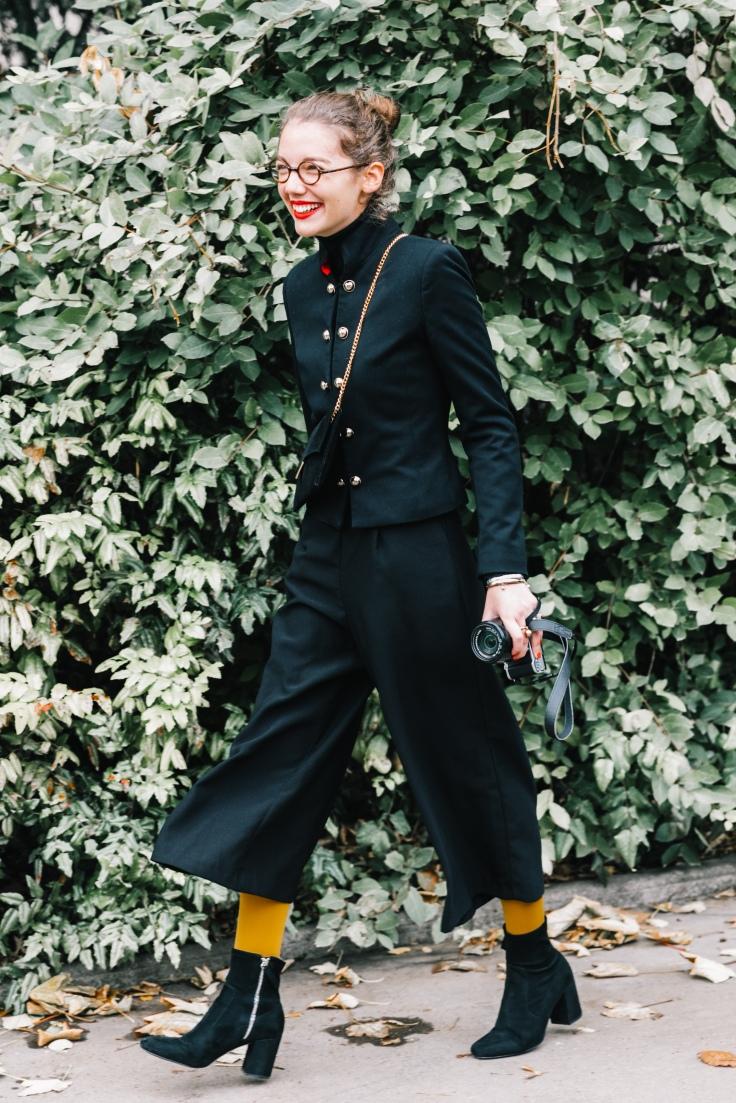 PFW-SS18-Paris_Fashion_Week-Street_Style-Vogue-Collage_Vintage-81-1.jpg