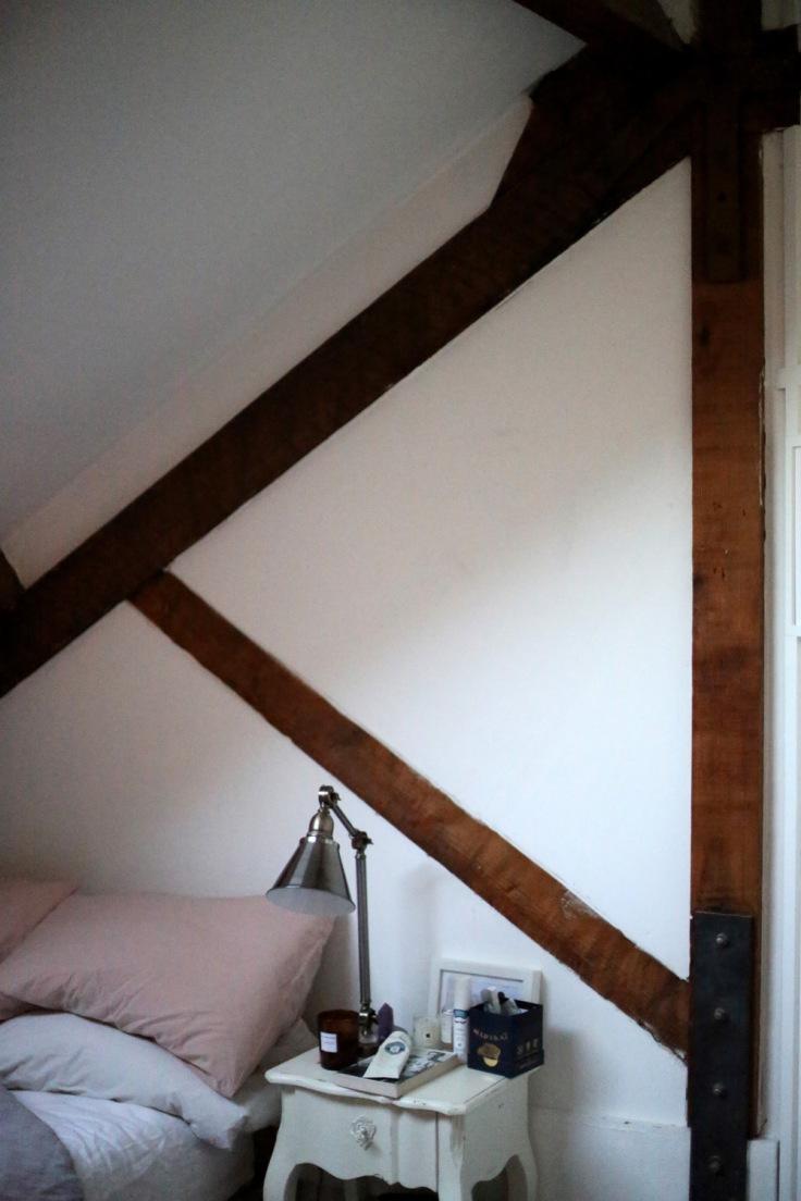 warehouse-loft-bedroom-wall-with-bed-interior-inspiration.jpg